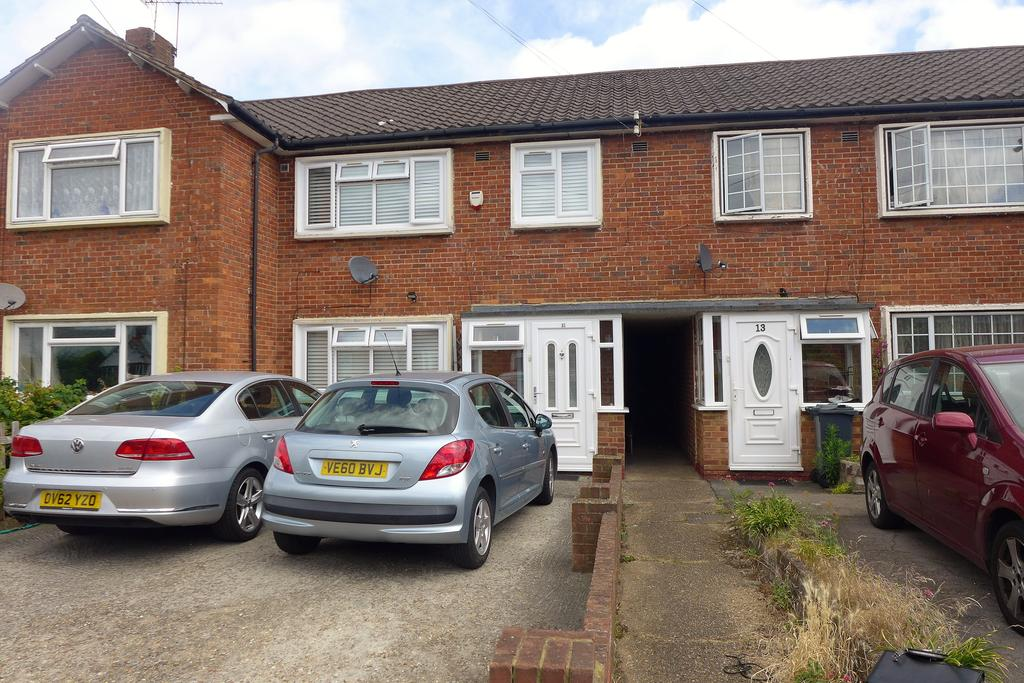 3 Bedrooms Terraced House for sale in Churchfields Avenue, Feltham