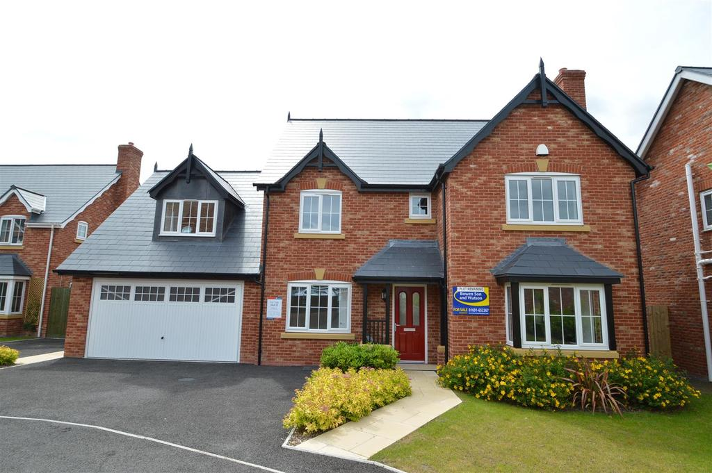 4 Bedrooms Detached House for sale in 23 Parc Llwyfen, Llanymynech, SY22 6FD