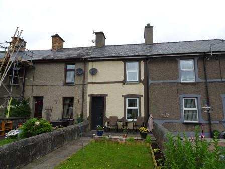2 Bedrooms Terraced House for sale in 3 Church Place, Penrhyndeudraeth LL48