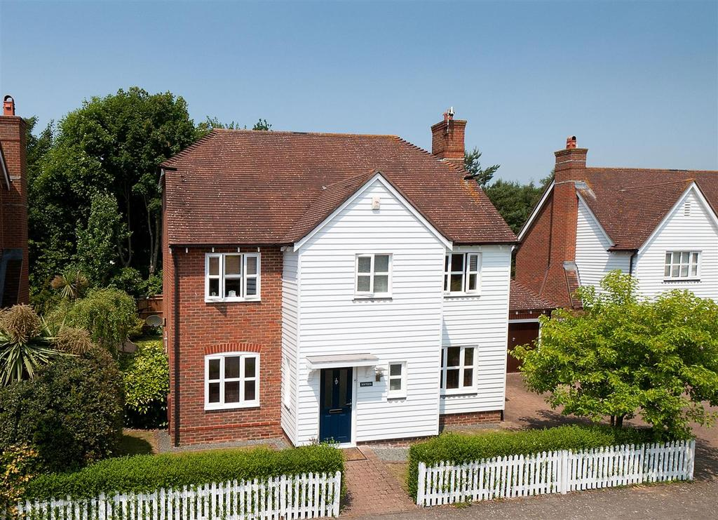 4 Bedrooms Detached House for sale in Townsend Square, Kings Hill, ME19