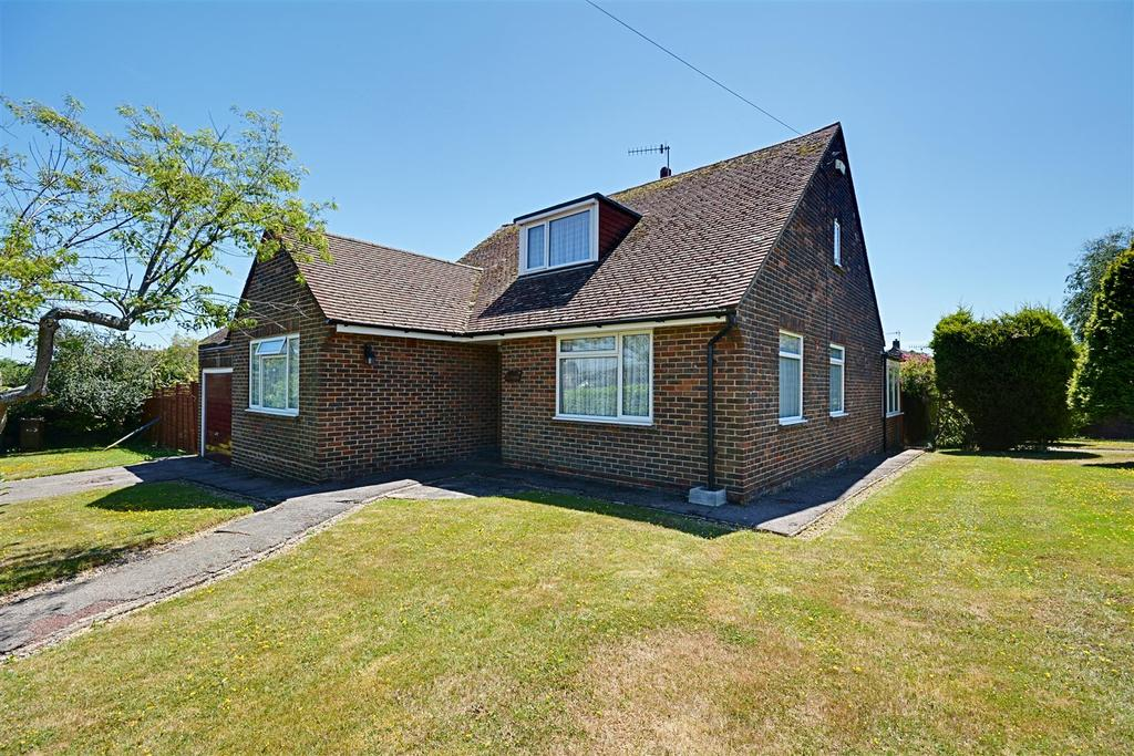 3 Bedrooms Detached House for sale in Seabourne Road, Bexhill-On-Sea