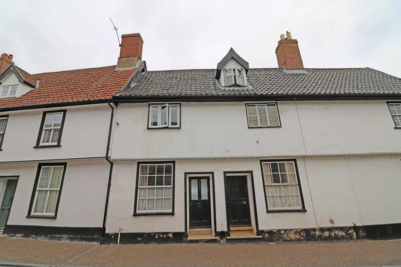 2 Bedrooms Cottage House for sale in Bridewell Street, Wymondham