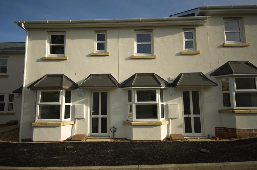 3 Bedrooms Terraced House for sale in Ackland Close, Bideford
