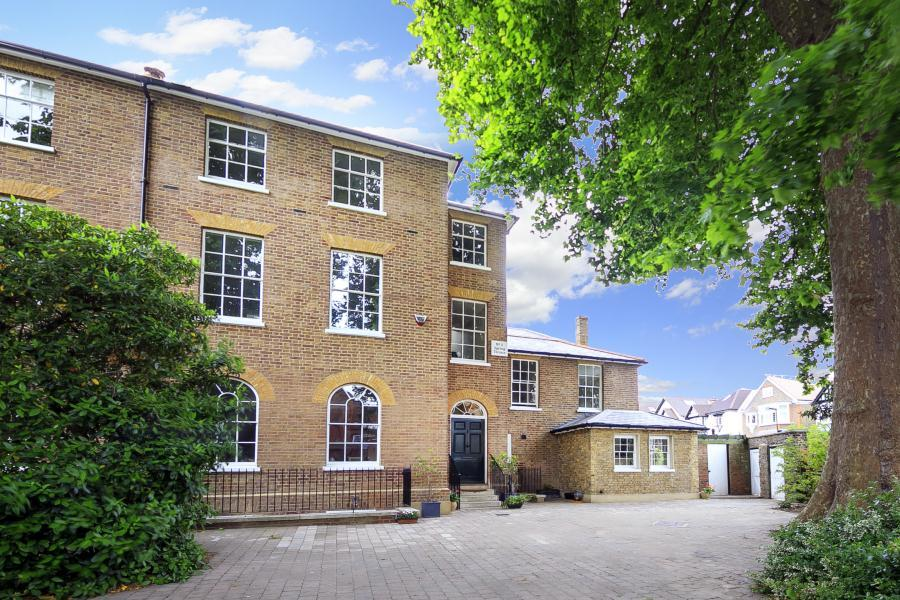 7 Bedrooms Semi Detached House for sale in Spring Terrace, Richmond