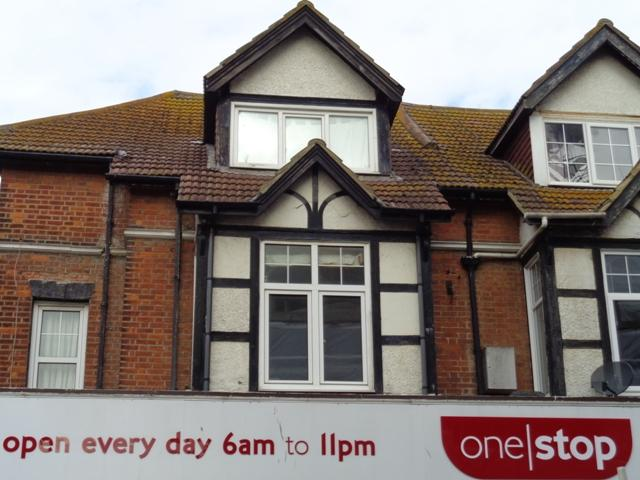 3 Bedrooms Flat for sale in SEA ROAD, BEXHILL ONSEA EAST SUSSEX TN40
