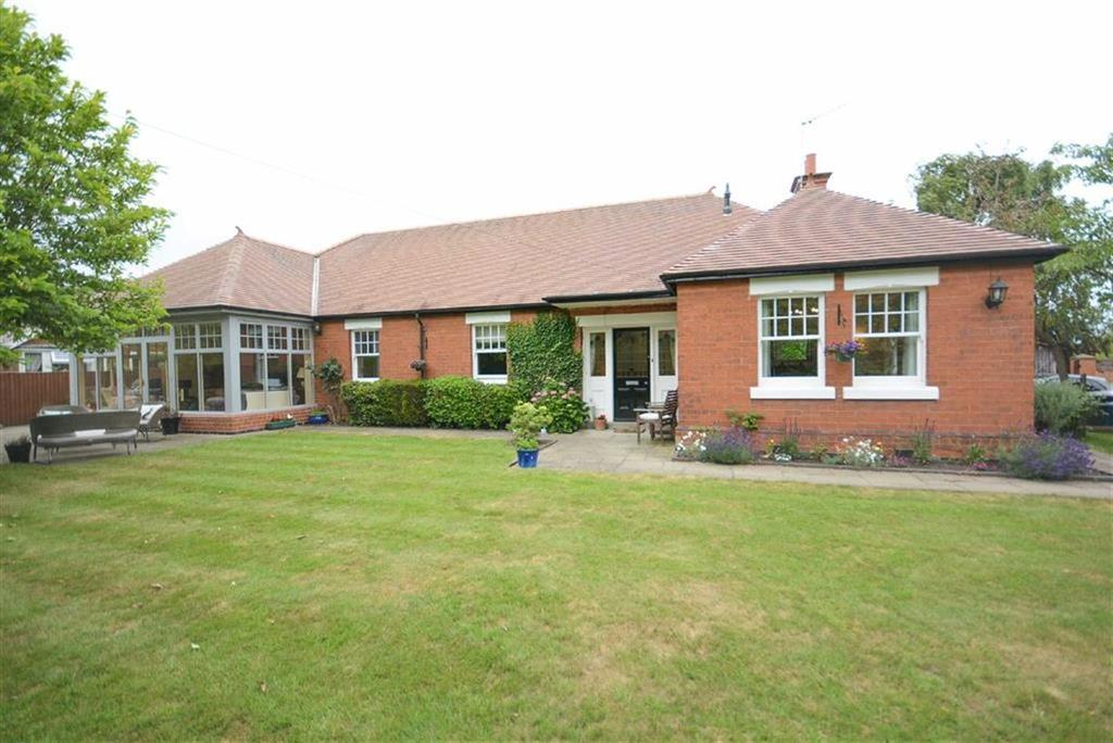 5 Bedrooms Detached Bungalow for sale in Tithby Road, Cropwell Butler