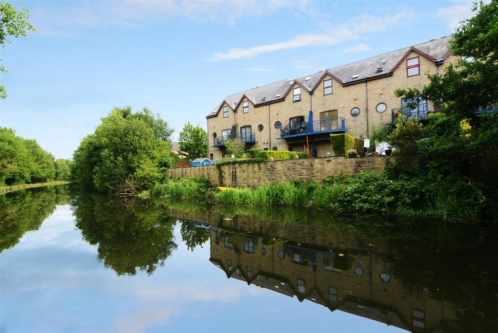 2 Bedrooms Town House for sale in Keel Moorings, Rodley
