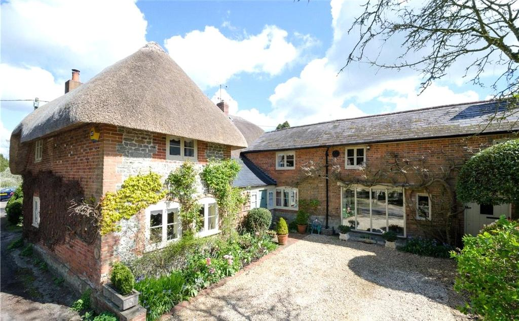 5 Bedrooms House for sale in Church Road, Woodborough, Pewsey, Wiltshire, SN9