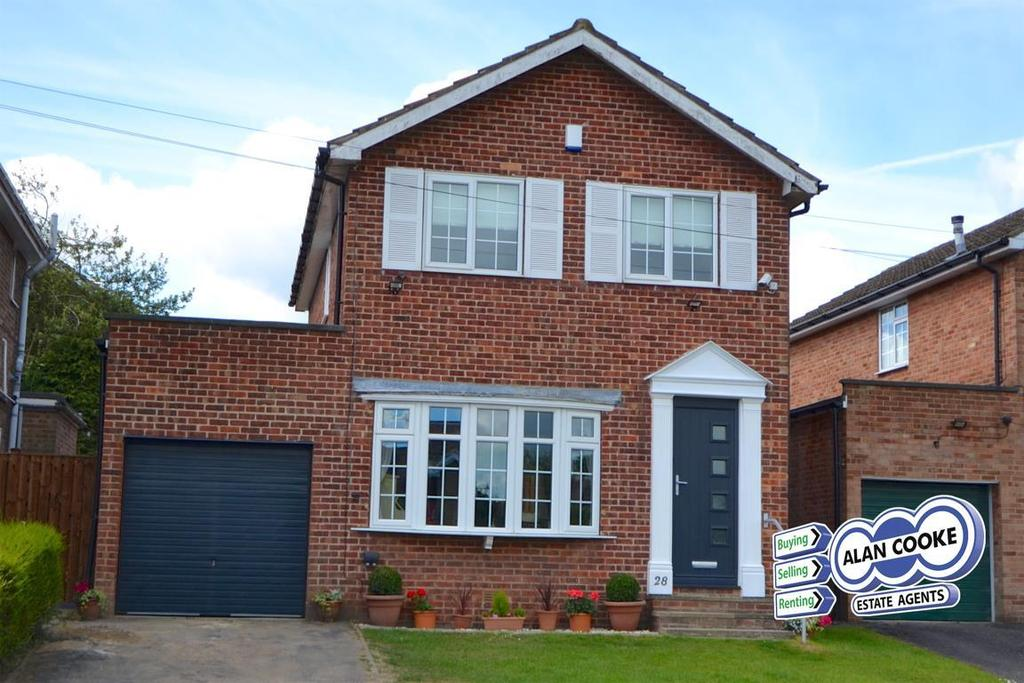 4 Bedrooms Detached House for sale in Syke Green, Scarcroft, Leeds
