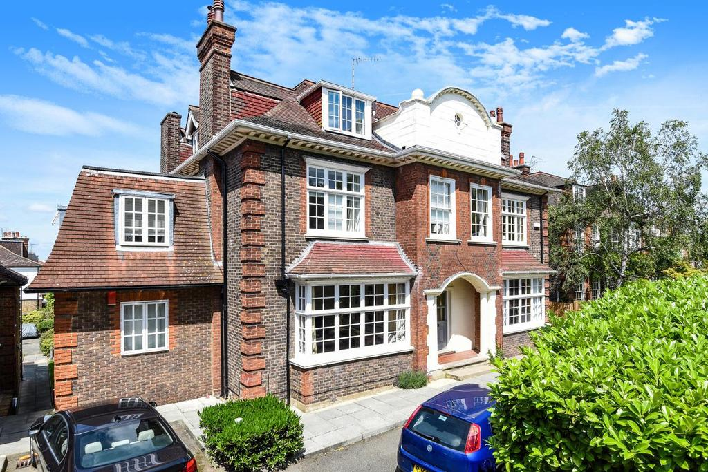 3 Bedrooms Flat for sale in Chartfield Avenue, Putney