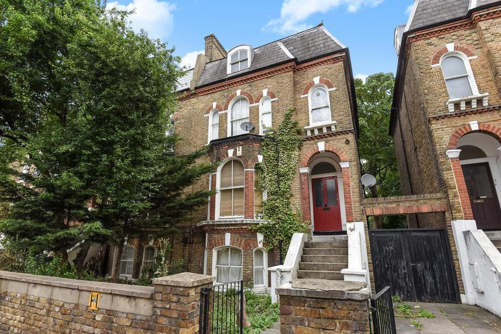 3 Bedrooms Flat for sale in Loughborough Road, Brixton