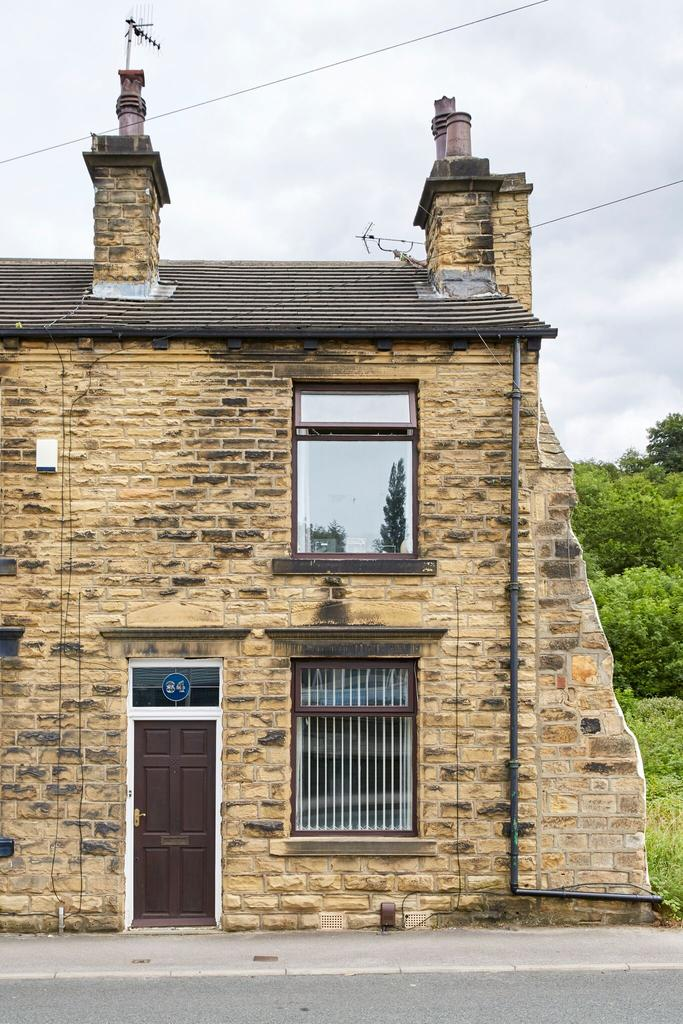 2 Bedrooms Terraced House for sale in Bagley lane, Farsley LS28