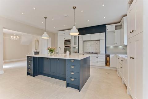 4 bedroom link detached house to rent - Old Chestnut Avenue, Claremont Park, Esher, Surrey, KT10