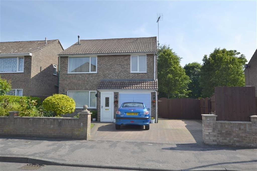 4 Bedrooms Detached House for sale in Nursery Grove, Bridlington, East Yorkshire, YO16