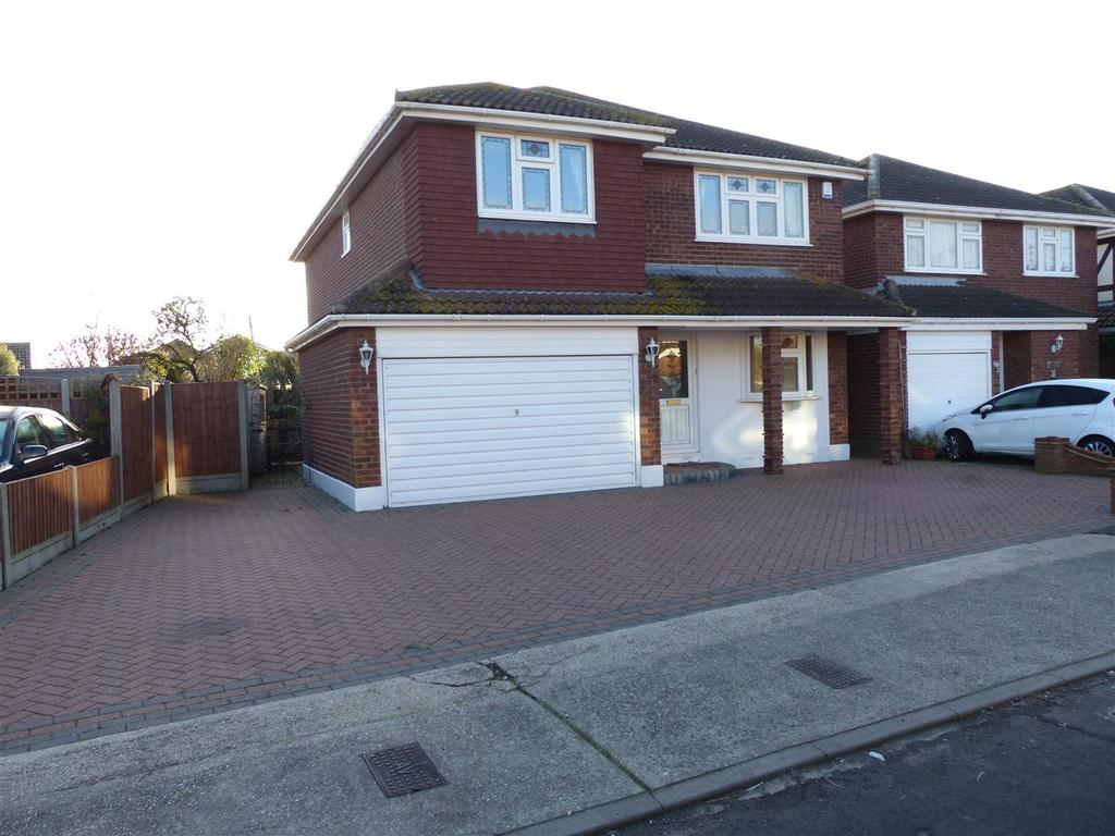 4 Bedrooms Detached House for sale in Church Parade, Canvey Island