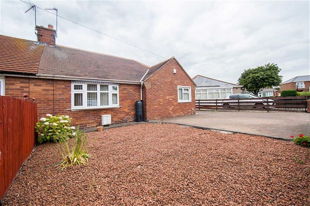 2 Bedrooms Semi Detached Bungalow for sale in Henderson Road, Wallsend, Tyne And Wear, NE28