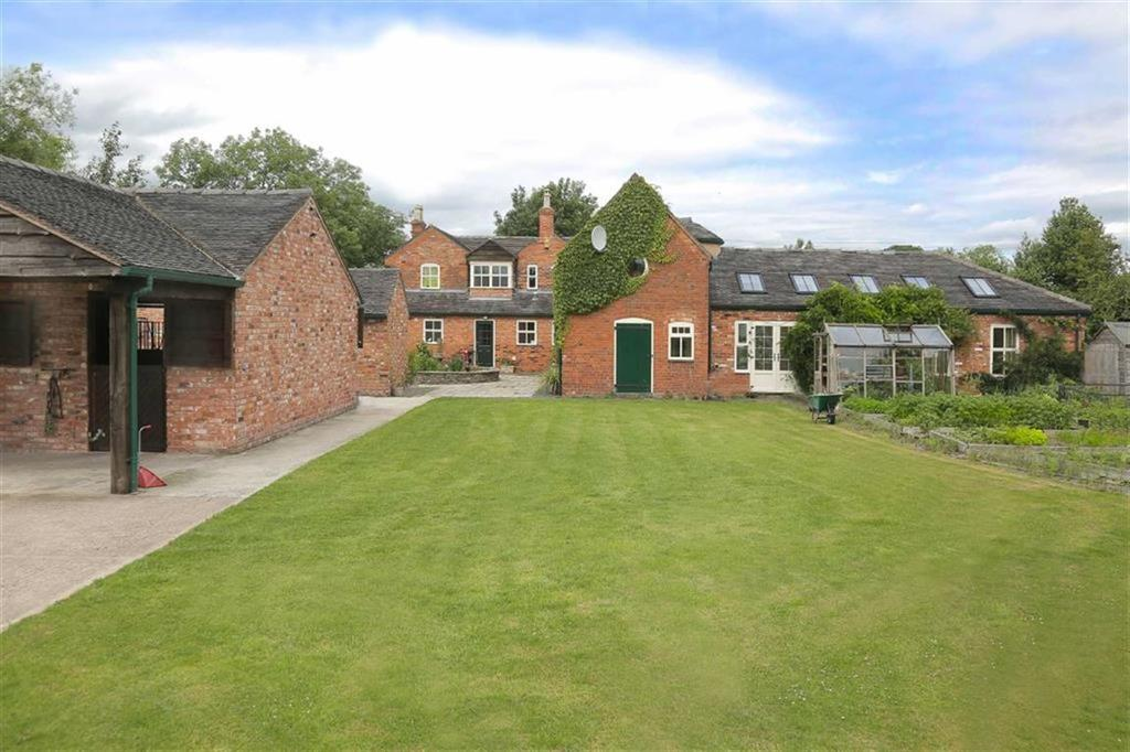 5 Bedrooms Detached House for sale in Hunsterson Road, Nantwich, Cheshire
