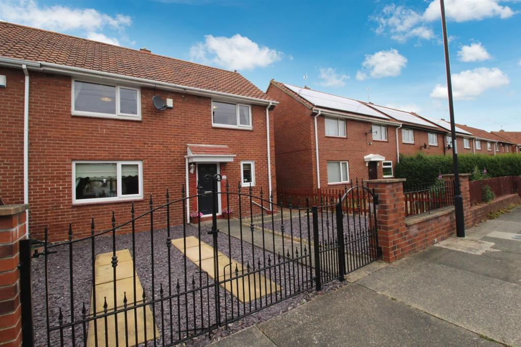 3 Bedrooms Semi Detached House for sale in Shearwater Avenue, Newcastle Upon Tyne