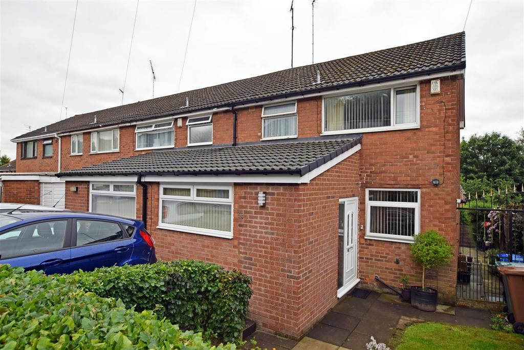 3 Bedrooms Semi Detached House for sale in Schoolside Lane, Rhodes, Middleton