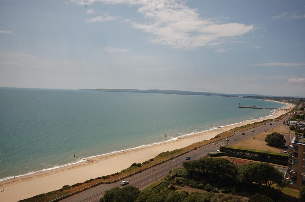 3 Bedrooms Apartment Flat for sale in Manor Road, Bournemouth BH1