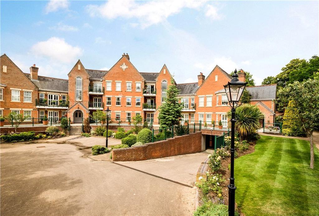 2 Bedrooms Flat for sale in Palmerstone Court, Virginia Water, Surrey, GU25