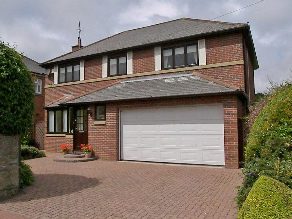 4 Bedrooms Detached House for sale in Mitford Road, Morpeth