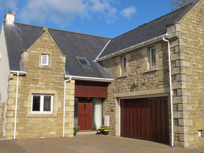 4 Bedrooms Detached House for sale in 8 Fernleigh Close, Tallentire, Cockermouth, CA13 0NS