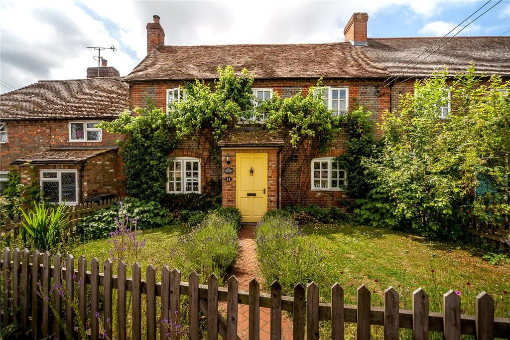 3 Bedrooms Terraced House for sale in High Street, Great Bedwyn, Marlborough, Wiltshire, SN8