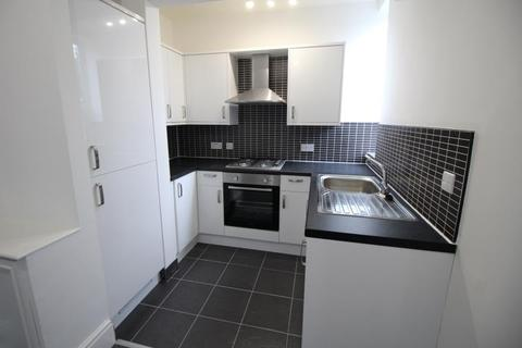 1 bedroom flat to rent - Flat 5, 20 Wendover Road, Urmston, Manchester, M41 9BY