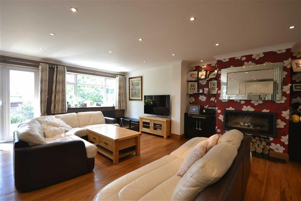 3 Bedrooms Bungalow for sale in Langford Road, Cockfosters, Hertfordshire