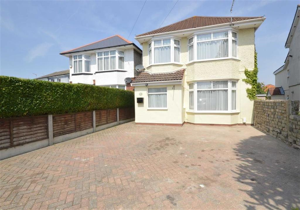 3 Bedrooms Detached House for sale in Nursery Road, Bournemouth, Dorset, BH9