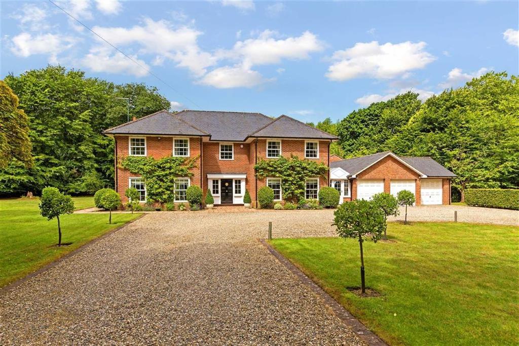 4 Bedrooms Detached House for sale in Burnham Green Road, Burnham Green, Welwyn