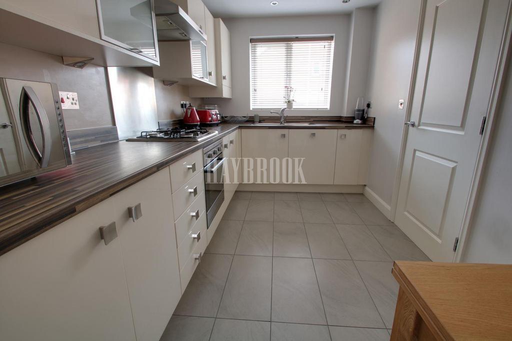4 Bedrooms End Of Terrace House for sale in Smallbridge Close, Monk Bretton