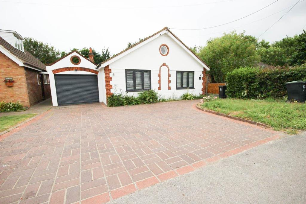 3 Bedrooms Bungalow for sale in Cumley Road, CM5