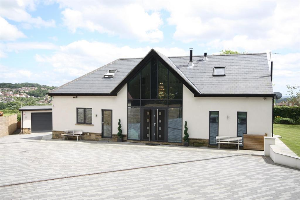 4 Bedrooms Detached House for sale in Scotland Lane, Horsforth