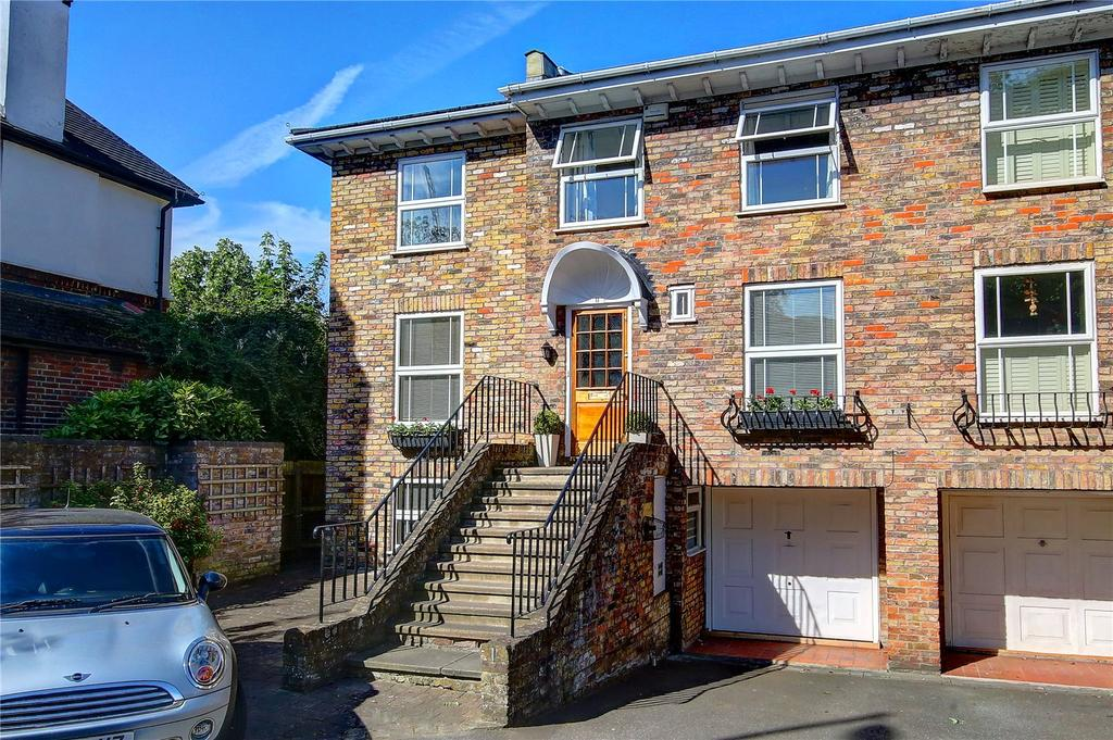 4 Bedrooms End Of Terrace House for sale in Manor Road, Teddington, TW11