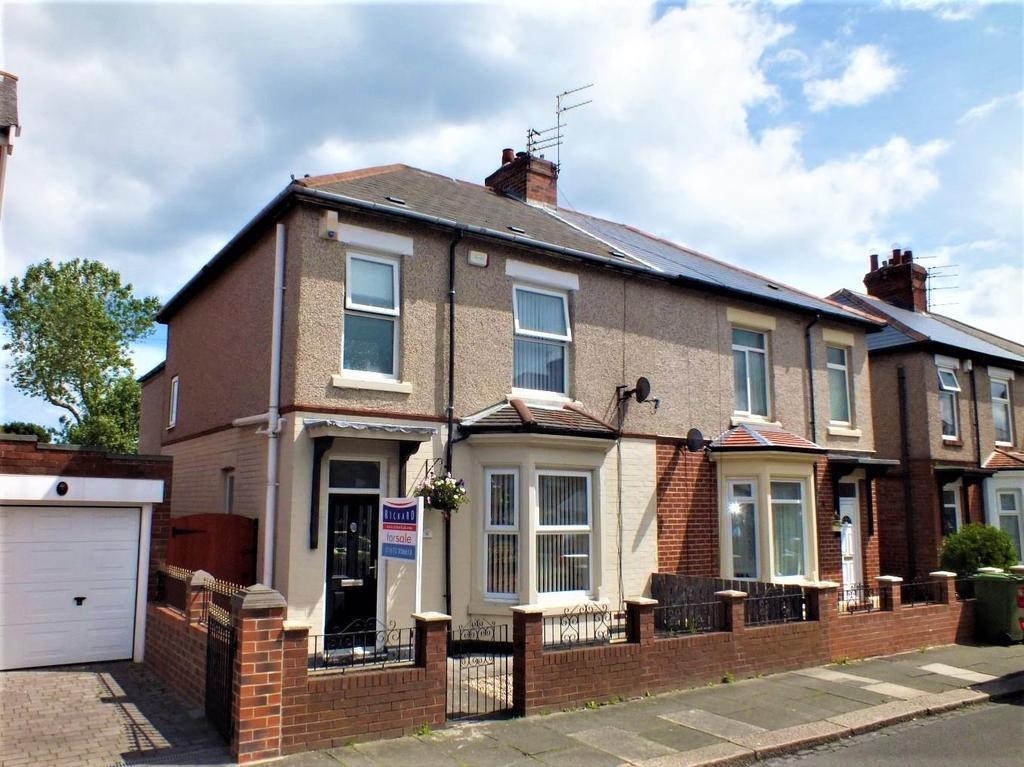 3 Bedrooms Semi Detached House for sale in Plessey Avenue, Blyth