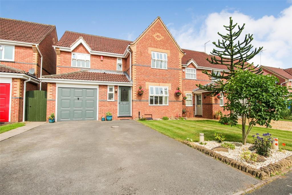 3 Bedrooms Detached House for sale in Partridge Drive, Uttoxeter, Staffordshire