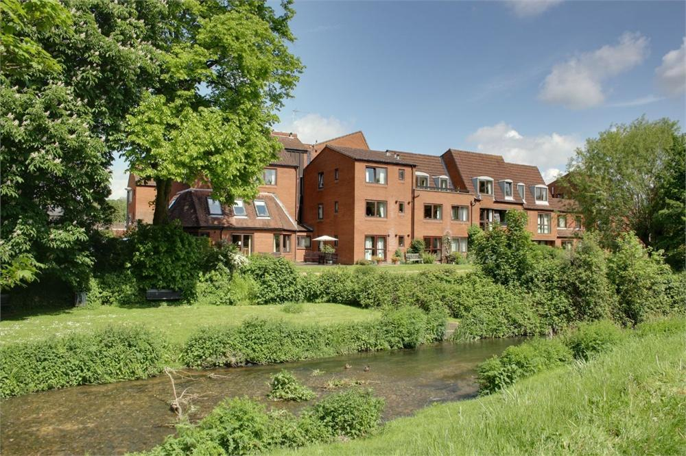 1 Bedroom Apartment Flat for sale in South Street, Farnham, Surrey