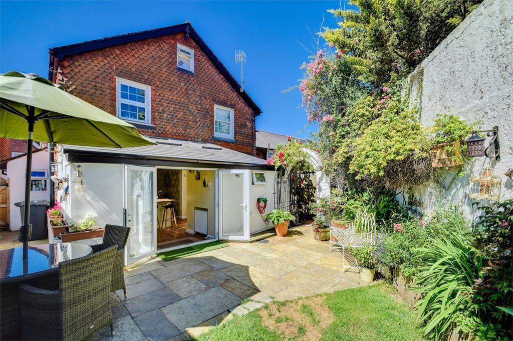 2 Bedrooms Semi Detached House for sale in Victoria Terrace, Crossways Road, Grayshott, Hampshire