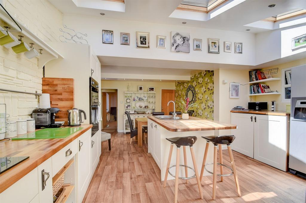 2 Bedrooms Semi Detached House for sale in Victoria Terrace, Crossways Road, Grayshott, Hampshire