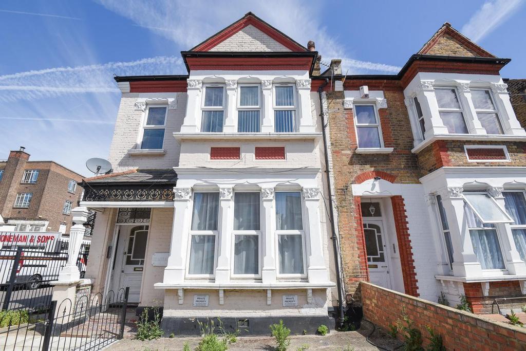 2 Bedrooms Flat for sale in Davenport Road, Catford