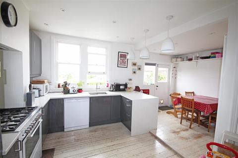 2 bedroom semi-detached house to rent - Greenfield Crescent, Patcham, Brighton