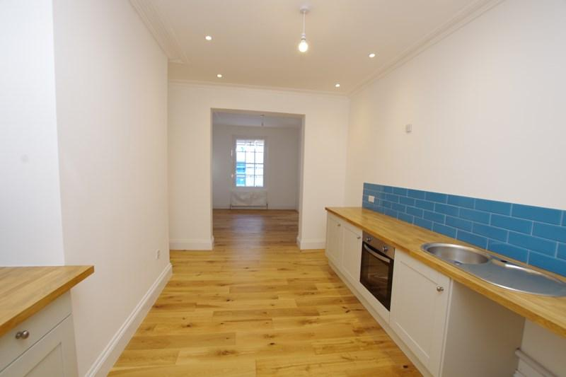 2 Bedrooms Flat for sale in George Street, Teignmouth