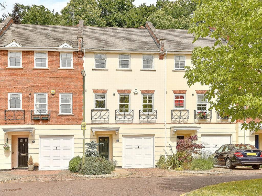 4 Bedrooms Town House for sale in Camberley, Surrey