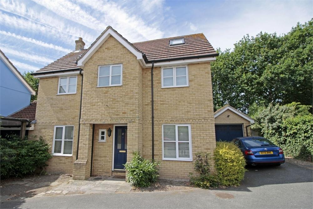 4 Bedrooms Detached House for sale in Southgate Crescent, Tiptree, Essex