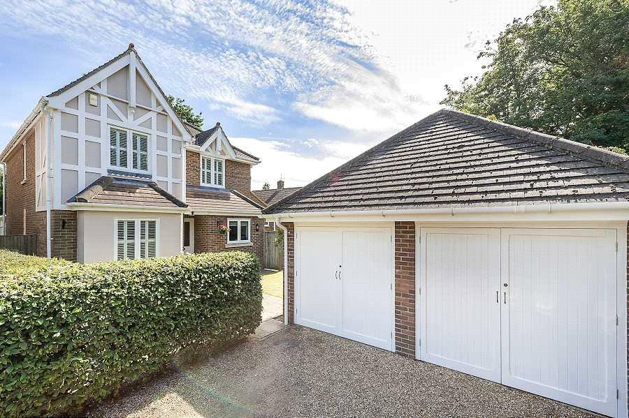 4 Bedrooms Detached House for sale in Rockingham Place, Beaconsfield, HP9