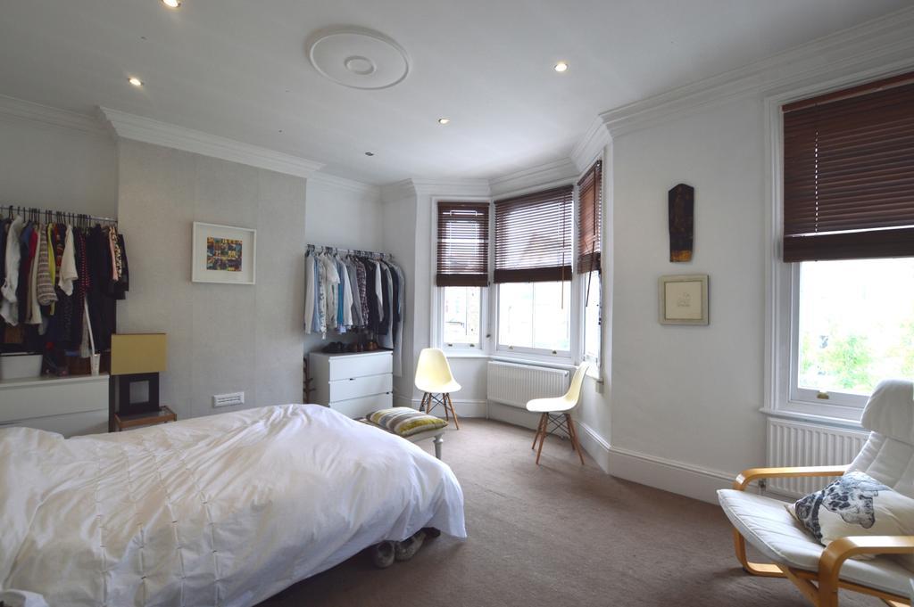 3 Bedrooms Flat for sale in Venner Road Sydenham SE26
