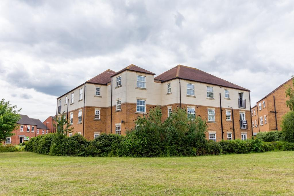 2 Bedrooms Flat for sale in Page House, Didsbury Close, York