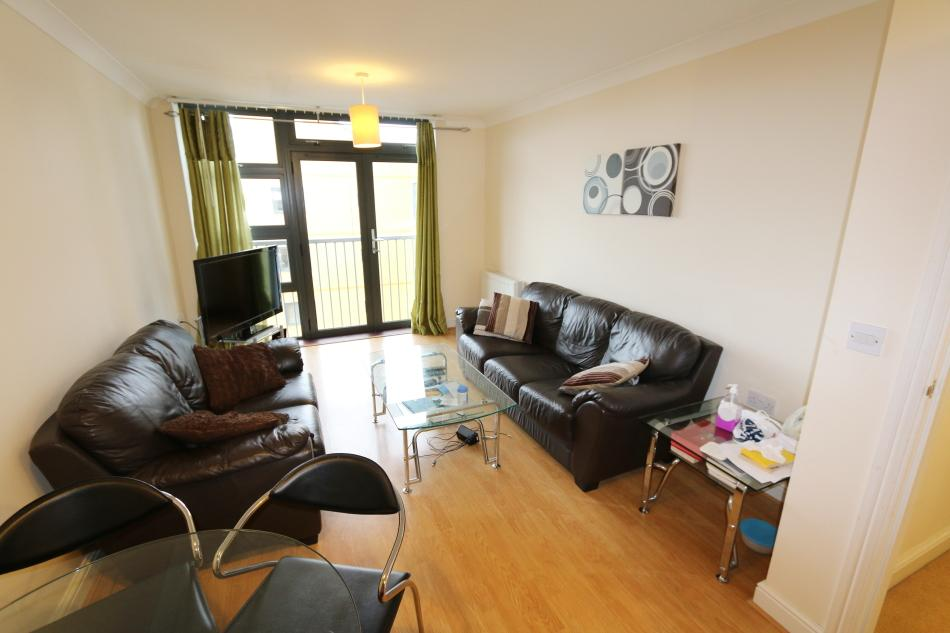 1 Bedroom Flat for sale in Maltings Close, Twelvetrees Crescent, London E3